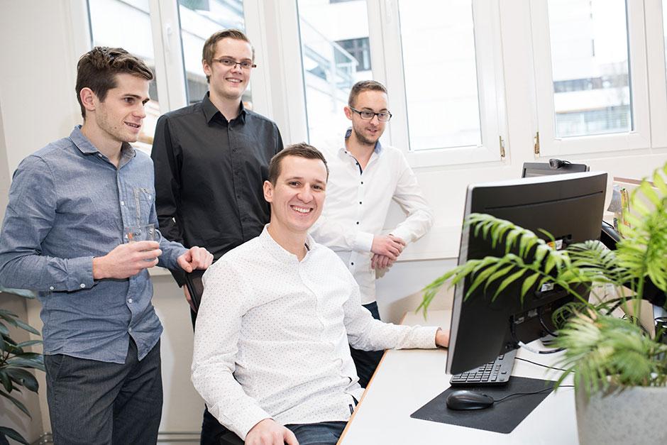Teamfoto der IT-Firma systemIQ in NÖ & OÖ